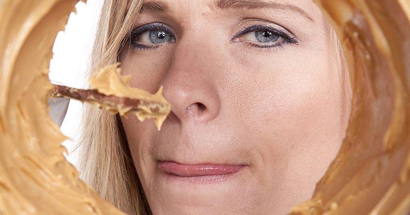 Frau mit Heißhunger